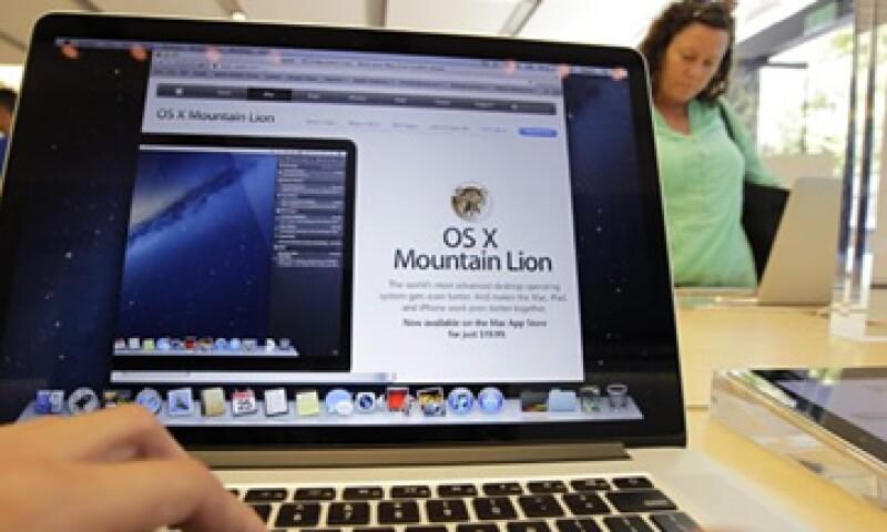 El sistema operativo Mountain Lion tiene más de 200 características nuevas, entre las cuales está un nuevo centro de notificicaciones.  (Foto: Reuters)