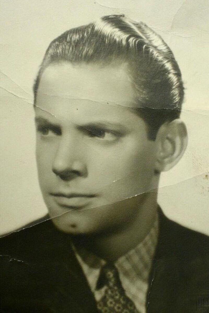 El comediante dedicó un mensaje a su padre, Eugenio González Sánchez de Tagle, quien falleció un 14 de febrero de hace 30 años.