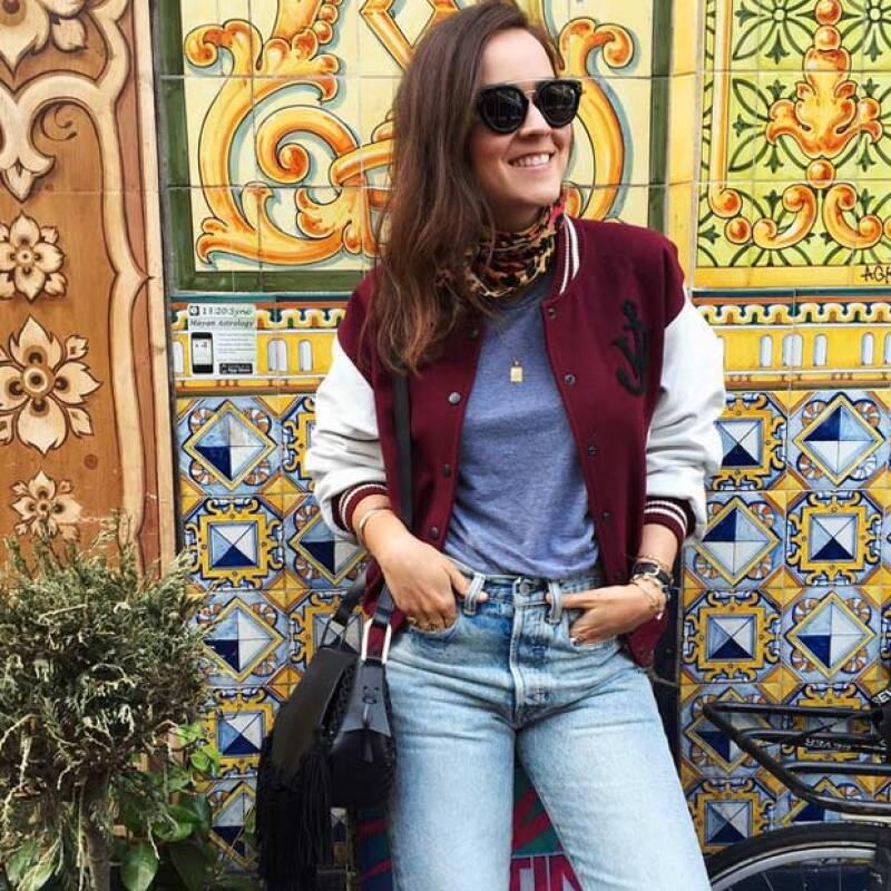 Actualmente radica en Ámsterdam, comparte una linea de bolsas y calzado con Chiara Ferragni y Carolina Engman.