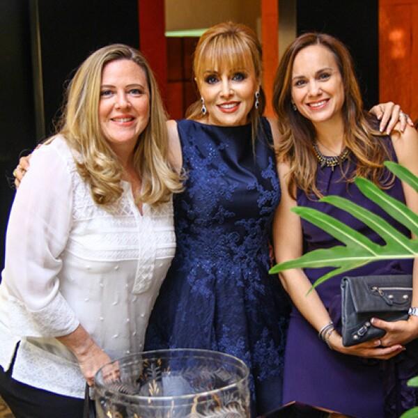 Elisa Quiroga de González,Yvette de Ferrara y Bertha de la Fuente de Ayala