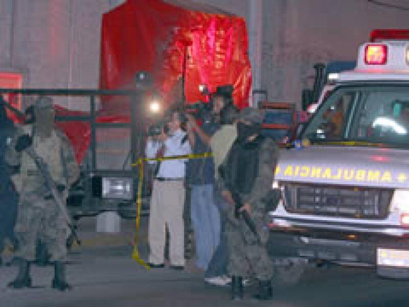 El Ejército acudió a las instalaciones de Televisa Monterrey. (Foto: Notimex)