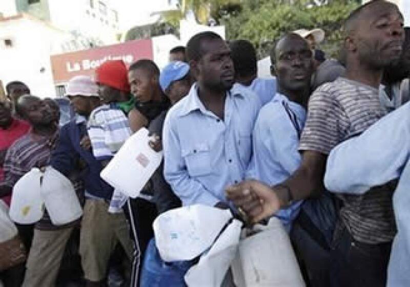 La secretaría de Seguridad de Haití reportó que se han registrado saqueos y brotes de violencia en el país. (Foto: AP)