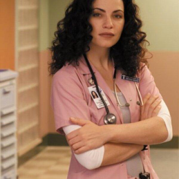 En 1994, Julianna Luisa Margulies fue elegida para un papel en el episodio piloto de ER con un personaje que intentó suicidarse. Debido a la respuesta positiva, Julianna continuó interpretando a Carol Hathaway durante 136 episodios.