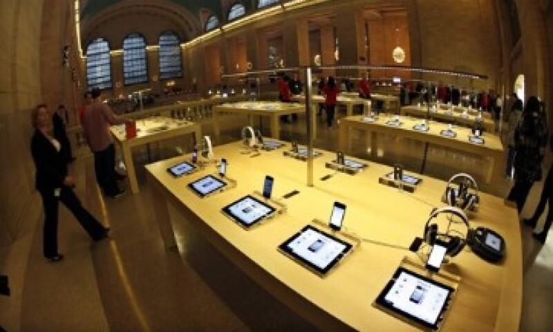 Apple compra habitualmente firmas de software y no de hardware, según el informe. (Foto: Reuters)