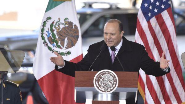 CIUDAD JUÁREZ, CHIHUAHUA, 04FEBRERO2016.- El presidente Enrique Peña Nieto y el gobernador César Duarte Jáquez inauguraron el cruce internacional Guadalupe Tornillo en la zona del Valle de Juárez. El cruce que tuvo un costo de 500 millones de pesos se convierte en el puerto de  cruce número 55 entre los Estados Unidos y México, entre los que transitan diariamente 300 mil vehículos y un millón de personas. FOTO: NACHO RUIZ /CUARTOSCURO.COM