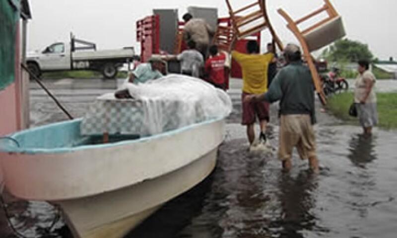 En otras ocasiones, Banamex ha reunido hasta 108.7 mdp para los afectados en Tabasco. (Foto: Notimex)