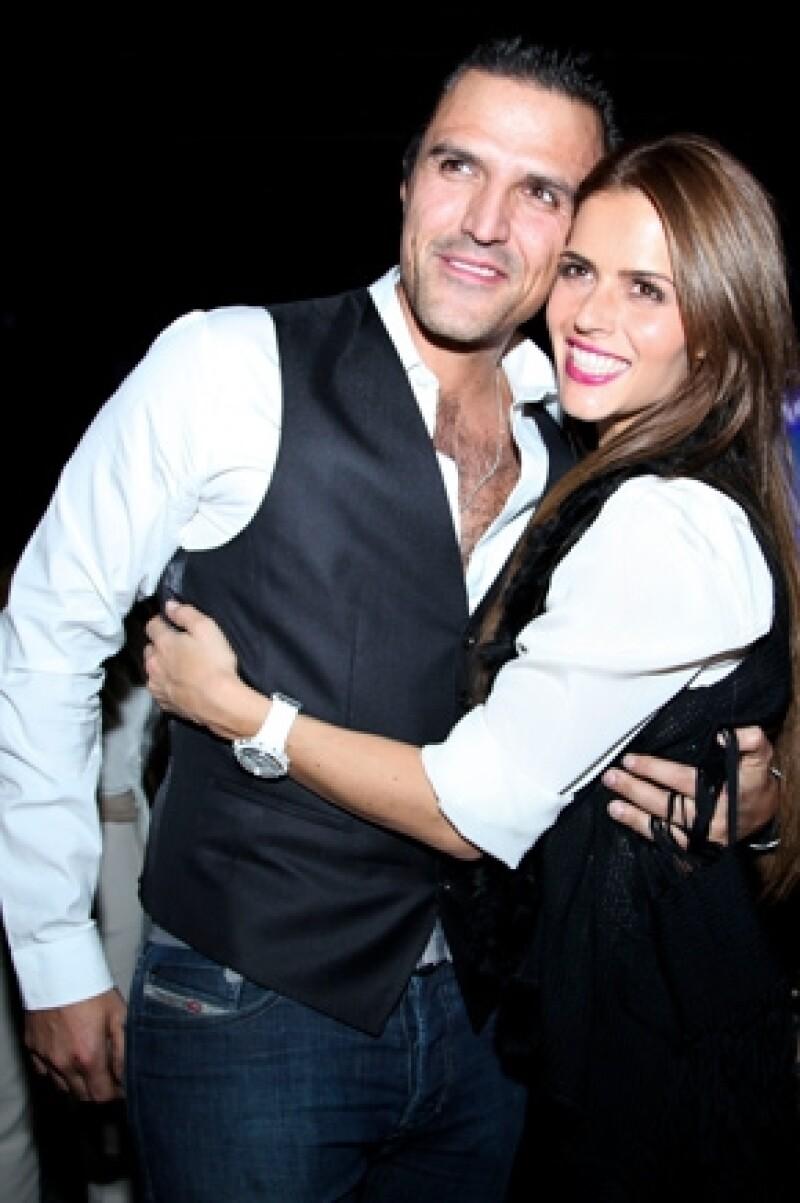 El empresario puso en el mercado la marca de productos Envolv, en breve y en sociedad con su novia, la actriz Claudia Álvarez, abrirá un gimnasio.
