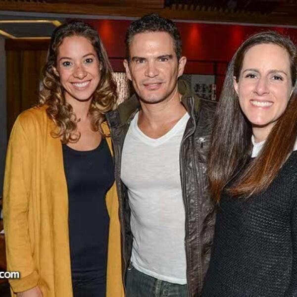 Ann García,Julio Camejo y Maripí Díaz.