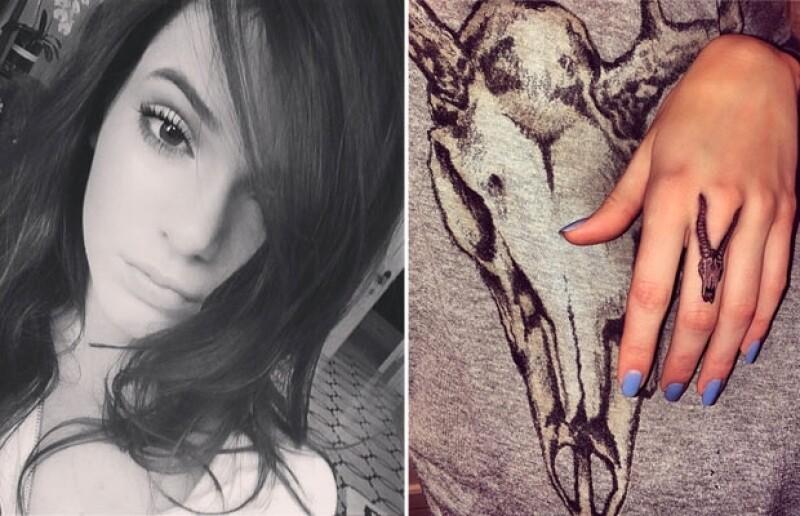 Kendall también se ha tatuado de manera temporal la osamenta de un antílope.