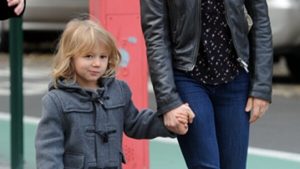 Hace un par de años el actor Heath Ledger falleció, dejando como madre soltera a Michelle Williams y su pequeña Matilda, quien es idéntica a él.