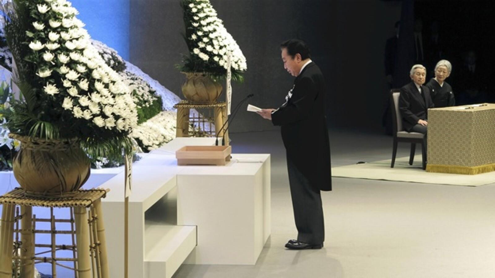 el primer ministro de japon Yoshihiko Noda ofrece un discurso