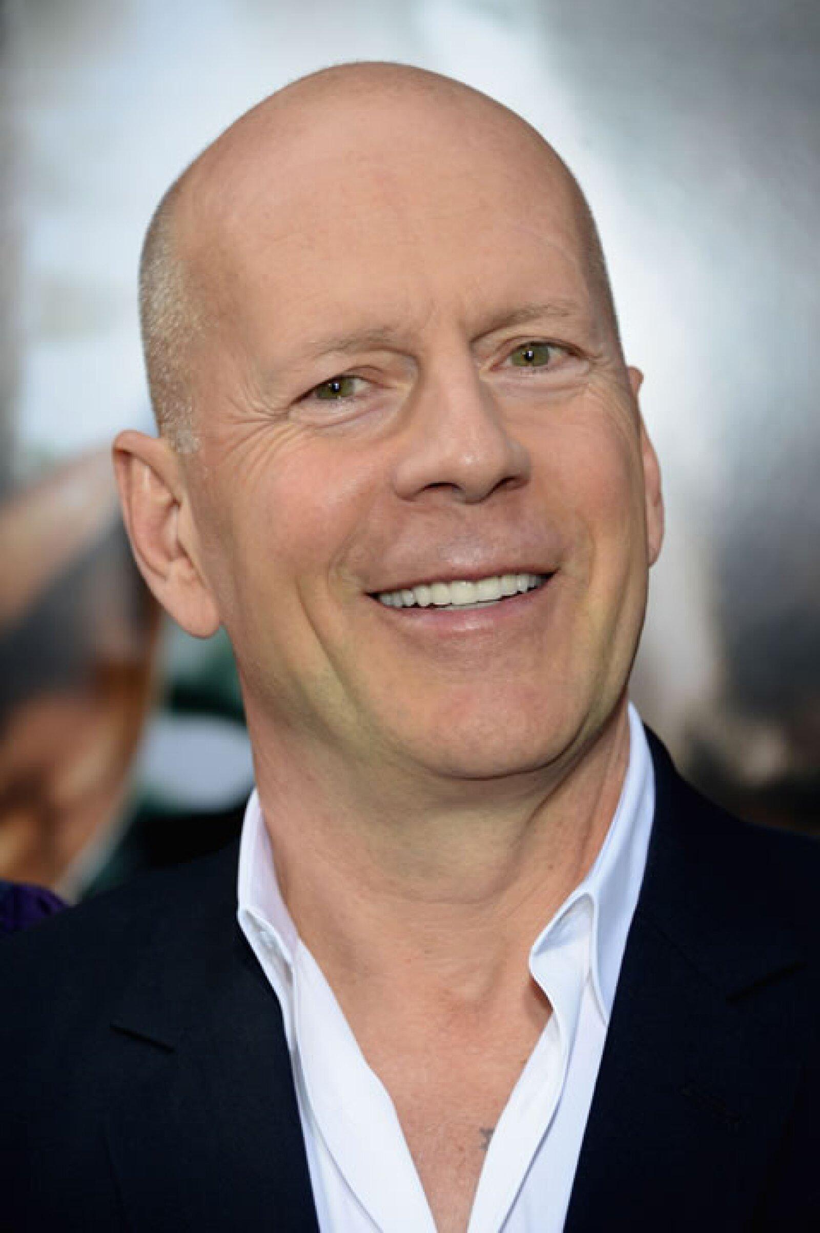 58 años y Bruce Willis sigue siendo un éxito en taquillas y con las mujeres.