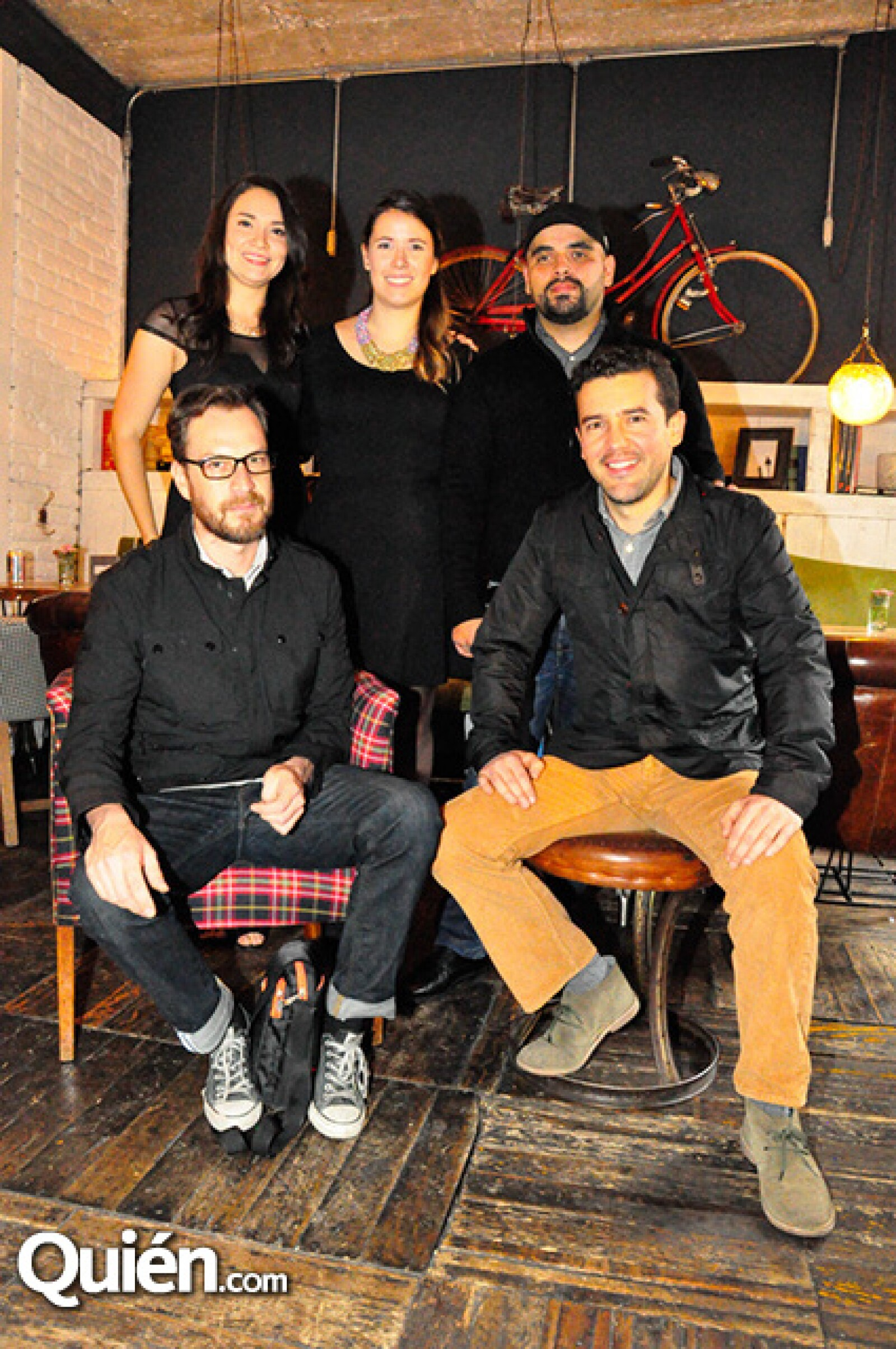 Mariana Pérez,Paola Alarcón,Benjamin Molina,Emanuel Ramírez y Jorge Arvizu