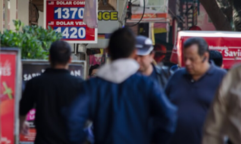 El peso ingresó a finales de noviembre en un periodo de depreciación. (Foto: Cuartoscuro )