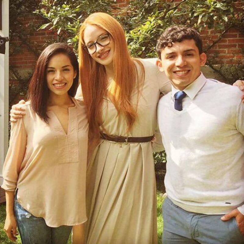 Ceci con Marisol y Adam, sus ex compañeros en el musical Wicked.
