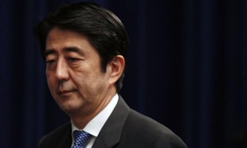 El próximo ministro japonés, Shinzo Abe, buscará un acuerdo con el Banco Central para que esa entidad sea la que establezca el objetivo de crecimiento de precios. (Foto: Reuters)