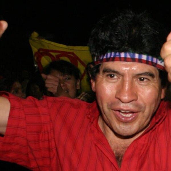 """El martes 8 Rafael """"Juanito"""" Acosta, delegado electo en Iztapalapa, tomó la decisión de tomar el puesto. Dijo no estar dispuesto a ceder el cargo a la ex candidata del PRD Clara Brugada, pero la invitó a ser parte de su equipo de trabajo."""