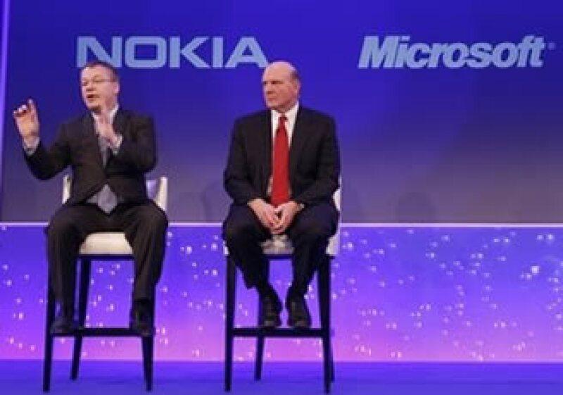 Stephen Elop y Steve Ballmer lideran Nokia y Microsoft respectivamente, y encabezan las negociaciones en el nuevo plan. (Foto: Reuters)