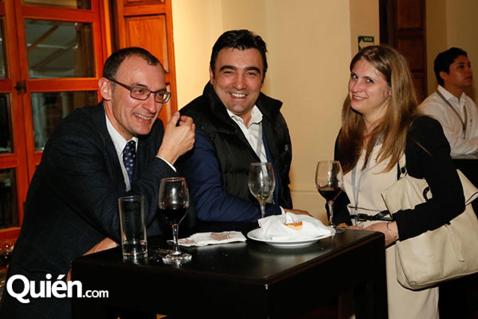 Dario Lipeti,Bruno Candeloro y Camilla Bassidi