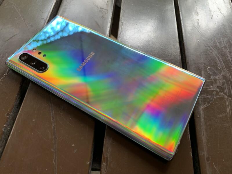 El Galaxy Note 10 tiene uno de los mejores diseños en un smartphone.