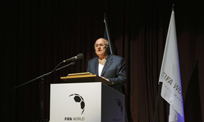 Blatter dijo que su fe le había dado fortaleza durante las últimas semanas. (Foto: Reuters )