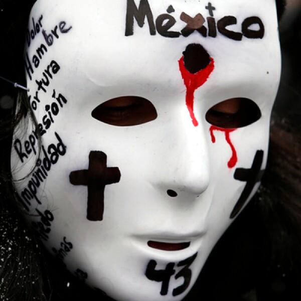 El presidente Enrique Peña Nieto enfrenta la más profunda crisis en el tema de seguridad desde que asumió el cargo, tras la desaparición de 43 estudiantes de Ayotzinapa