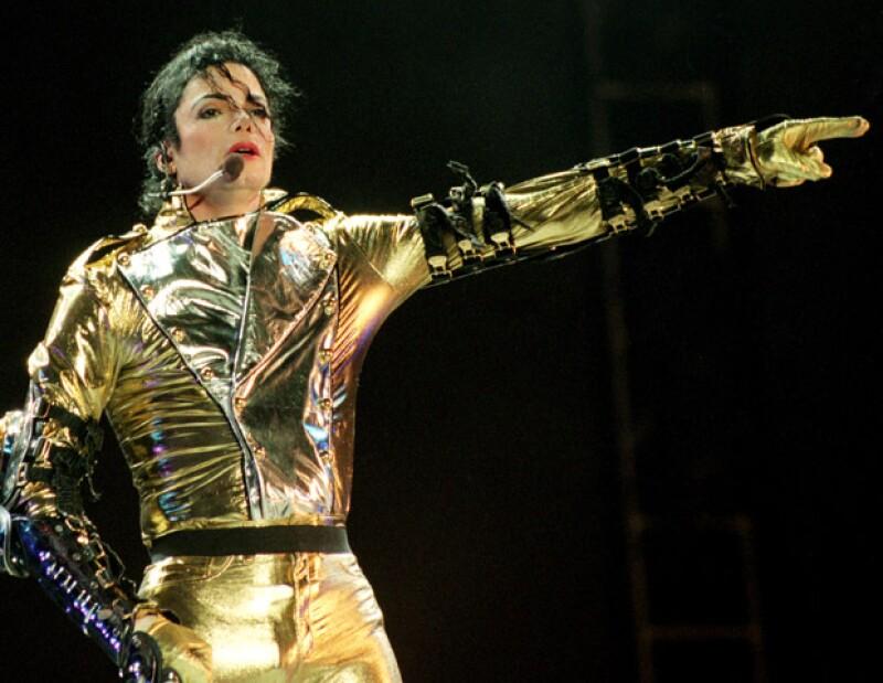 Celebramos el aniversario del rey del pop con una recopilación de momentos poco vistos en la vida del cantante.