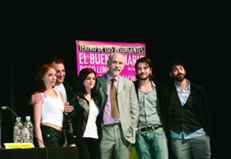 El actor John Malkovich debuta como director en México con una obra en la que participan grandes del cine mexicano.