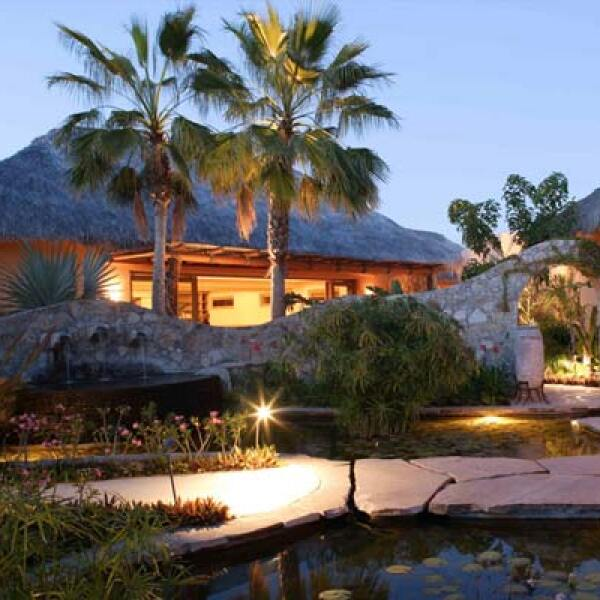 Si deseas hacer una reservación, consulta: www.esperanzaresort.com