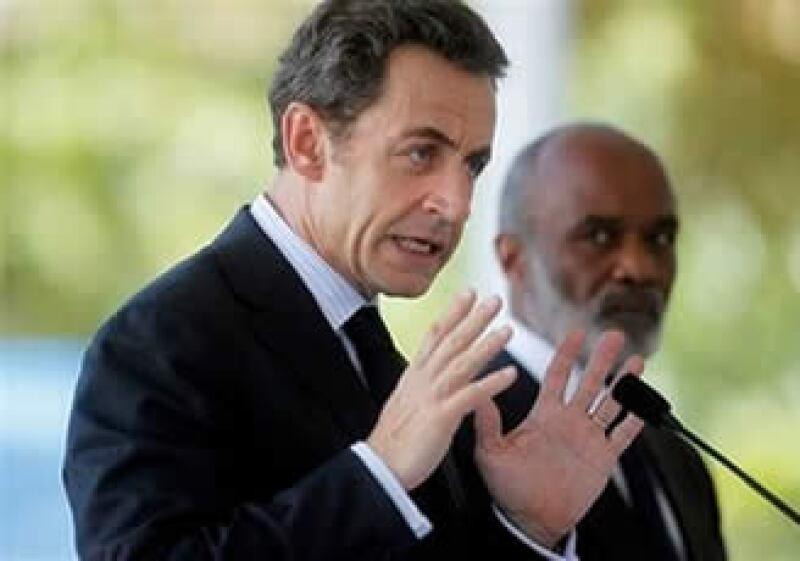 Francia también prometió mandar a 10 especialistas para trabajar durante dos años con el primer ministro haitiano. (Foto: AP)