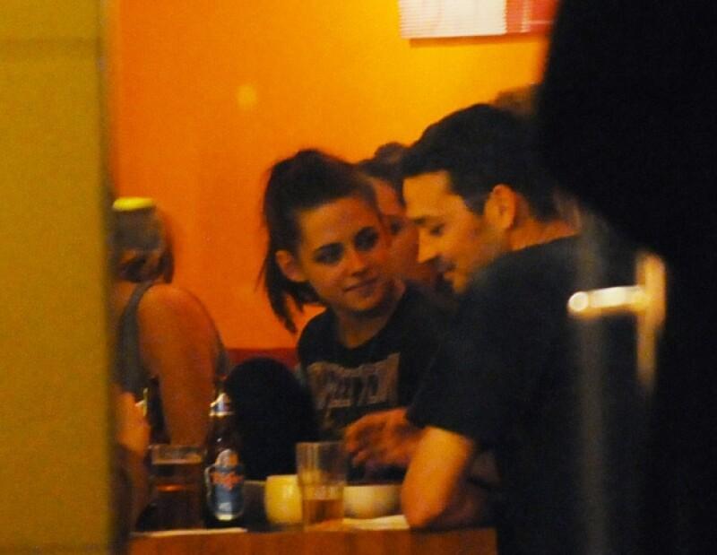 Ayer se dieron a conocer unas fotografías donde muestran al director Rupert Sanders abrazando a la actriz, pero, ¿quién es este hombre?