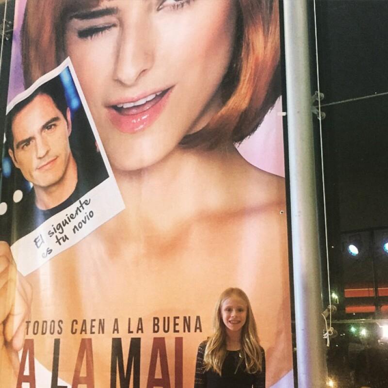 La actriz compartió esta imagen en su Instagram ayer por la noche, cuando acudió a apoyar a la hija de Eugenio Derbez a la premiere de su película.