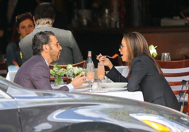 La pareja fue vista posteriormente comiendo en un restaurante cercano.
