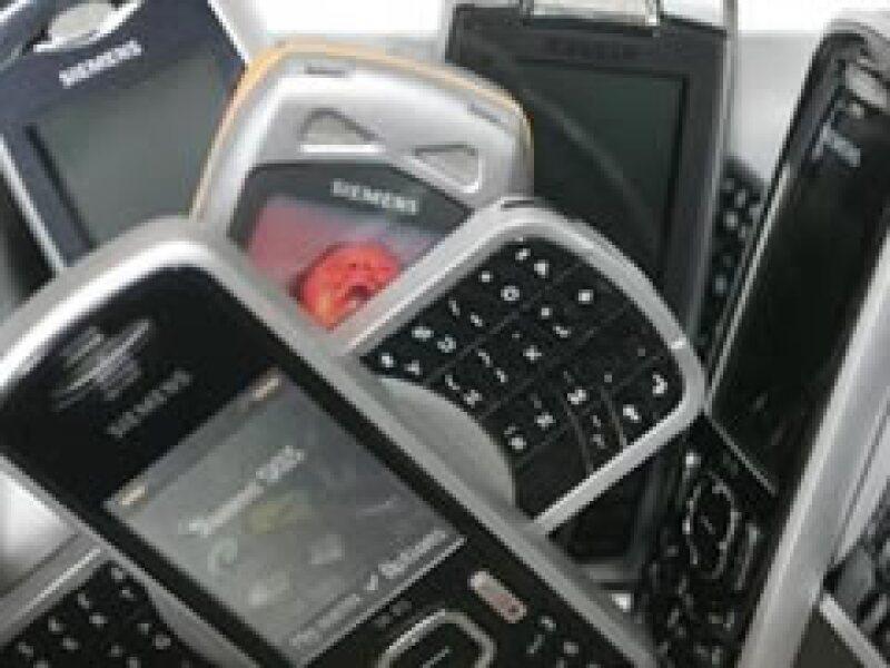 El mercado de los celulares tiene un valor de 190,000 millones de dólares.(Foto: Reuters)