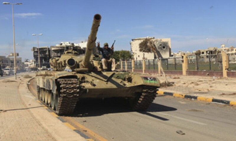Las disputas por el poder dentro del nuevo Gobierno libio podrían agravarse después de Moammar Gadhafi, un acontecimiento que generó tanto ansiedad como alegría en el país. (Foto: Reuters)