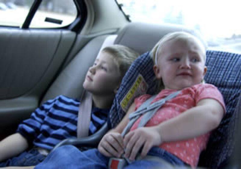 Autoridades estadounidenses recomiendan cambiar el asiento infantil si no ajusta bien al cuerpo del niño. (Foto: Photos to go)