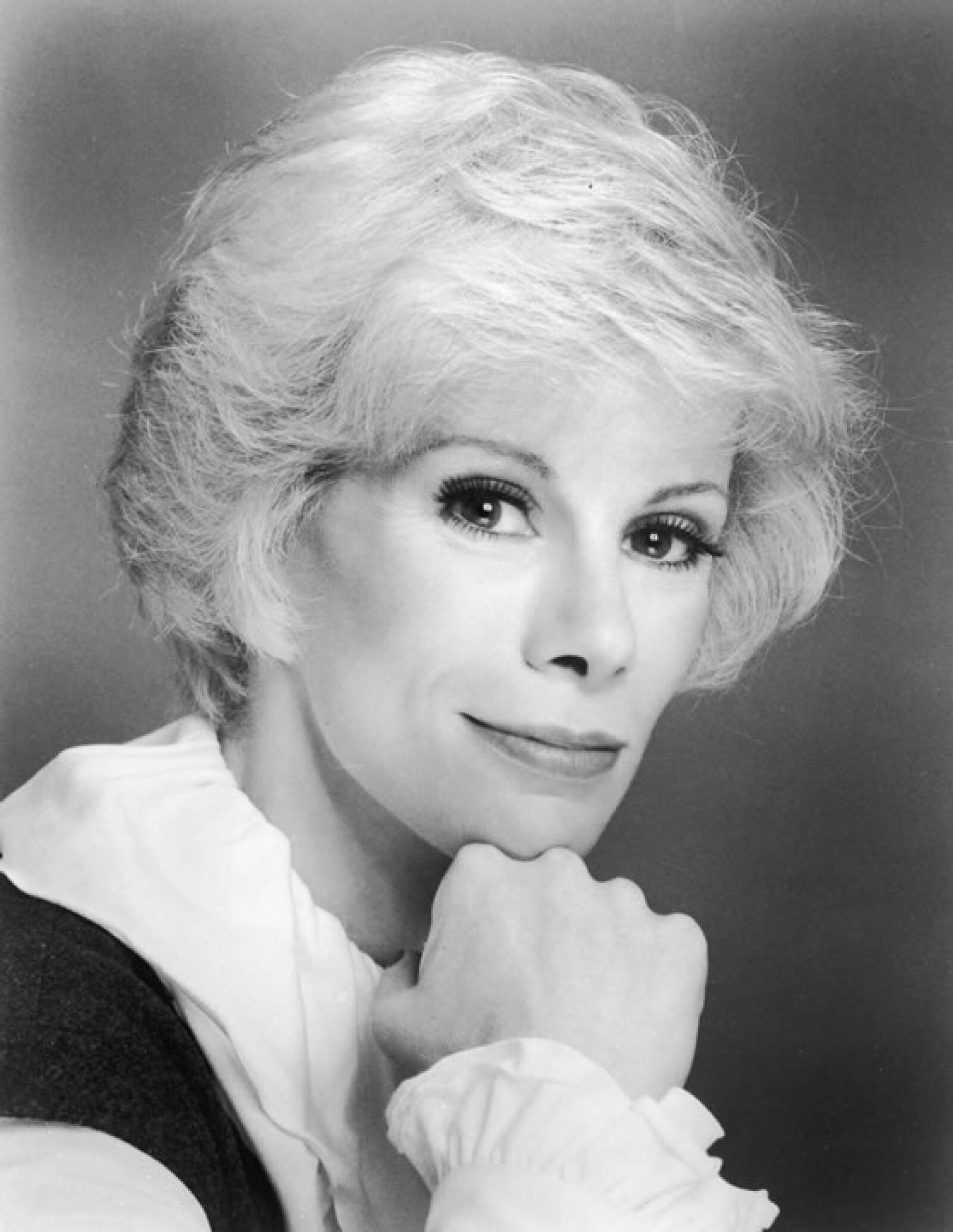 1960 fue el año en que Joan Rivers con 27 años se lanzó al mundo del teatro y la comedia.