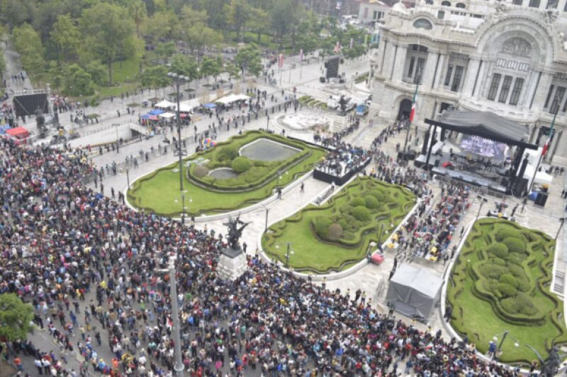 Afuera del Palacio de Bellas Artes.