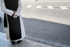 La monja, que renunció a la universidad de Iona en 2009, negó los cargos. (Foto: Photos to Go)