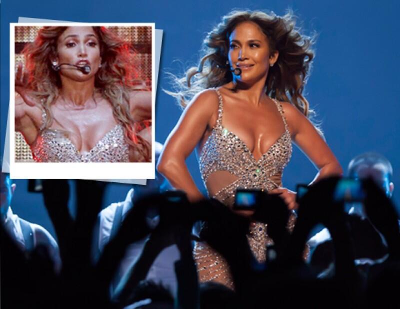 El destape ocurrió en un concierto en Italia: Un mal movimiento de baile provocó que dejara al descubierto uno de sus pezones.