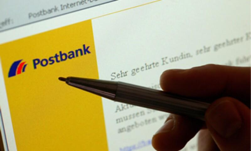 62% de los usuarios de banca móvil acceden desde su computadora (Foto: Getty Images/Archivo )