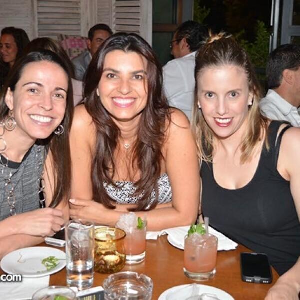 Norma Lorenzo,Patricia Jiménez y Jessica Soto.