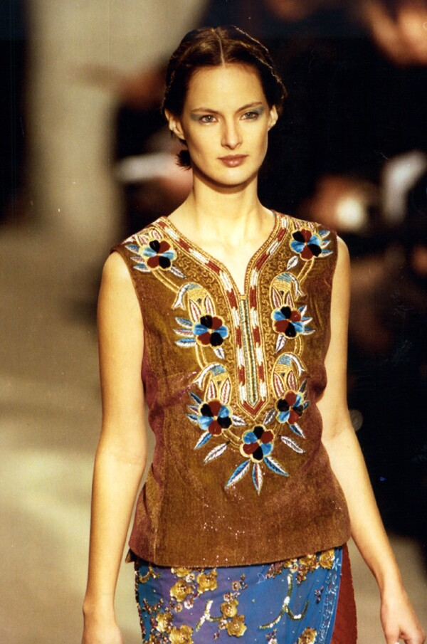 Fashion Women 1996 Fashion Model On The Paris Catwalk Wearing Dries Van Noten