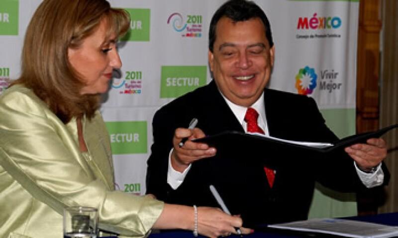 Gloria Guevara y Ángel Aguirre negaron que los 240 mdp fueran un premio tras retirar el Tianguis Turístico. (Foto: Notimex)