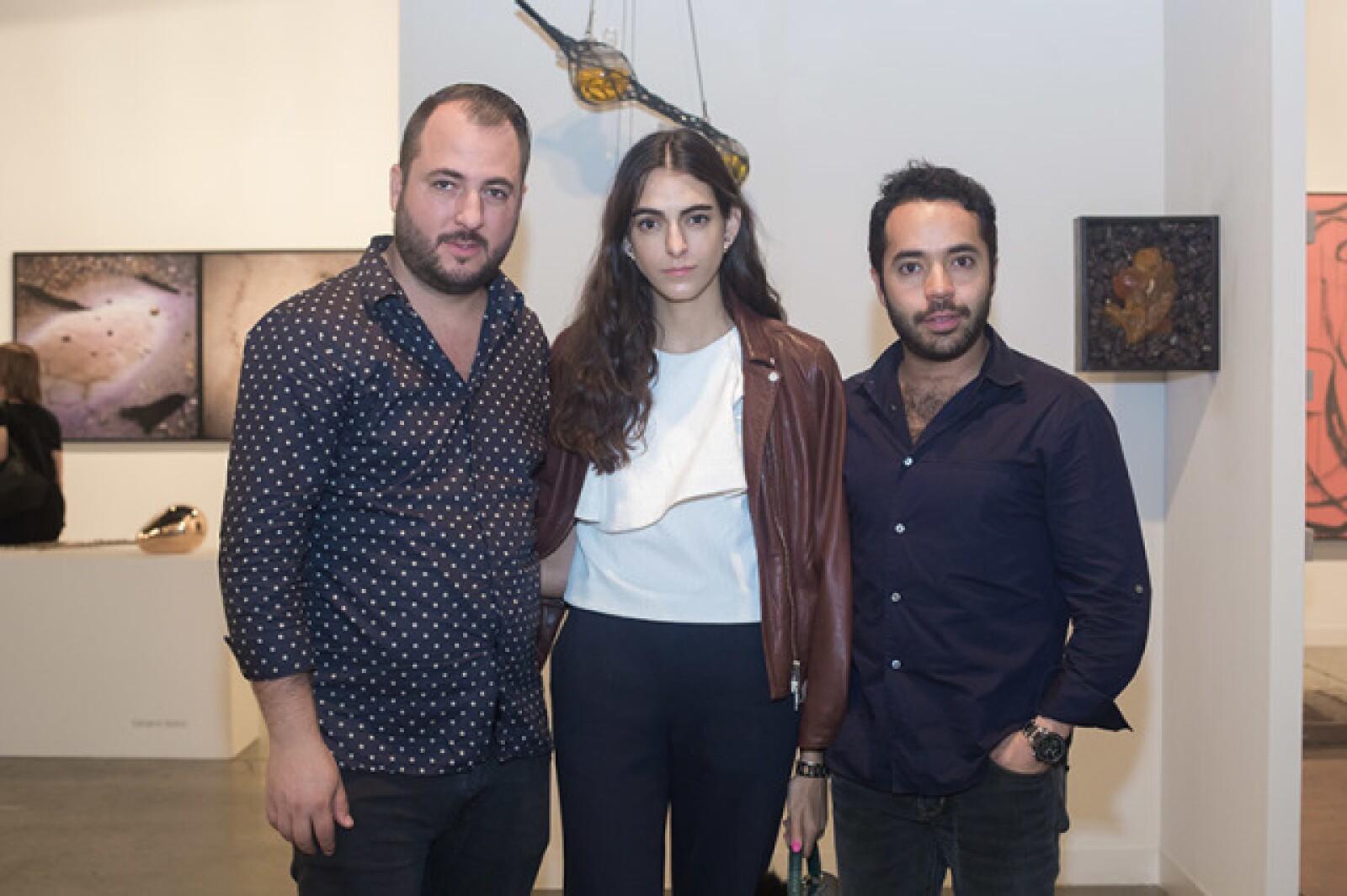 Víctor Martínez,Ama Kawage y Alex Bracho