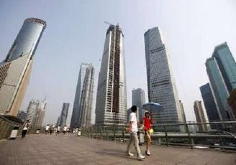 China se expande casi 10% cada año, mientras se prevé que Japón crezca 3% en 2010. (Foto: Reuters)