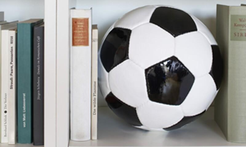 'Historias insólitas del futbol' narra anécdotas como la de un portero manco que participó en un mundial. (Foto: Getty Images)