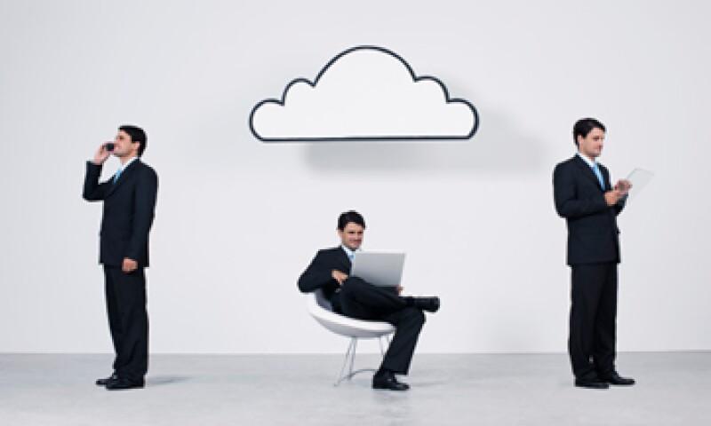 No dejes que tu competencia se quede con tus clientes, moderniza tus sistemas. (Foto: Getty Images)