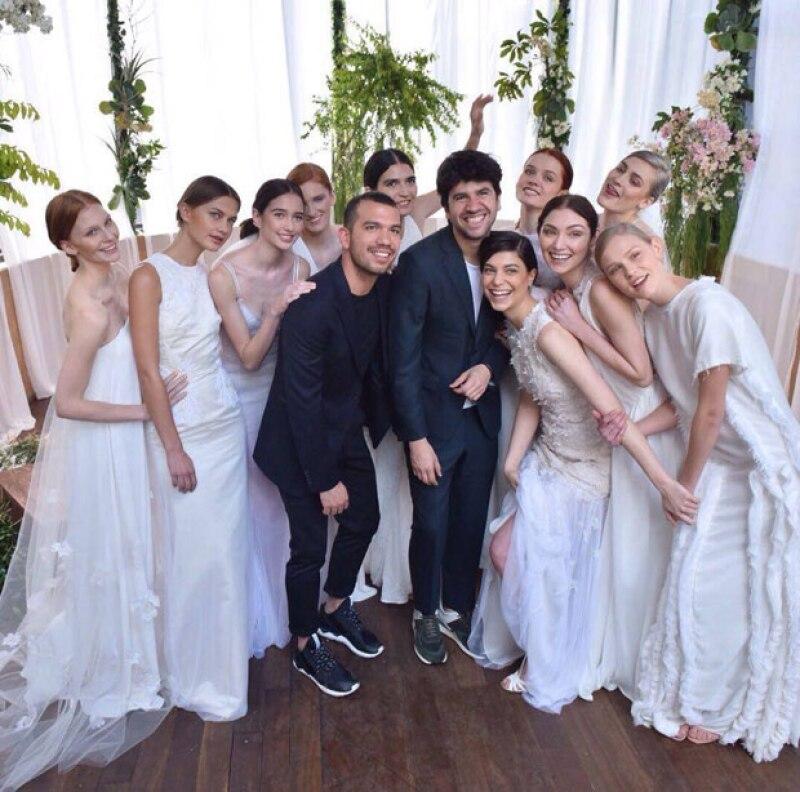 Se ha revelado que la cantante utilizó un vestido de una firma mexicana para su boda con Rodrigo Rodríguez.