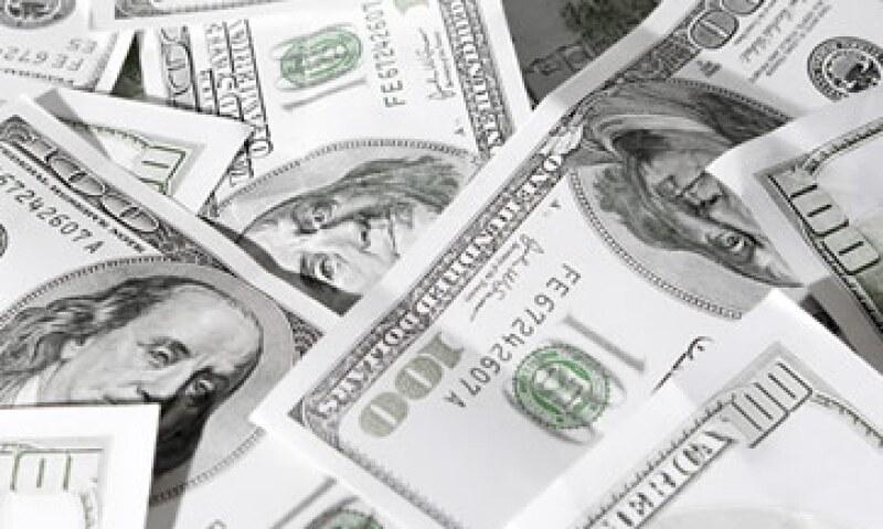 Banco Base estima que el tipo de cambio se ubicará entre  los 13.34 y 13.44 pesos por dólar este viernes.  (Foto: Thinkstock)